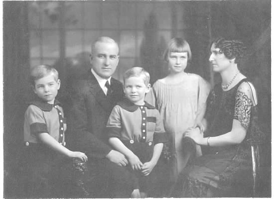 Jasper Mcqueen Edna Bushfield and family.